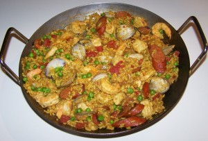 A nice paella pic, by a good photographer.